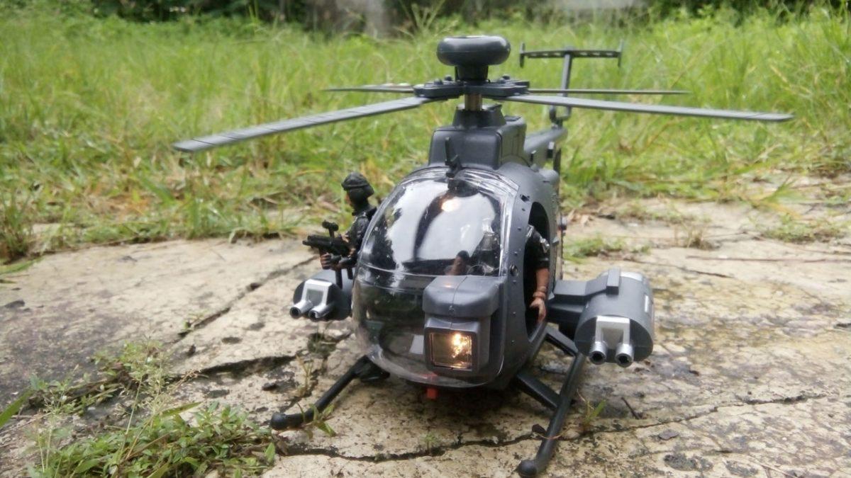 เฮลิคอปเตอร์ทหารของเล่น พร้อมหุ่นทหาร
